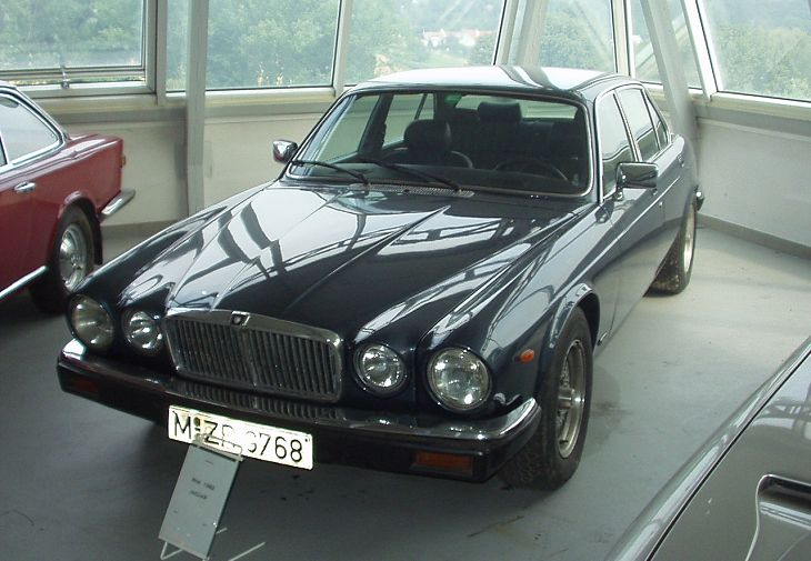 (1981) Jaguar XJ12 5,3 HE | Galerie | Veteráni i veterán - Oldtimers - Historická vozidla